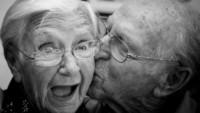 """Şimdiden """"Yaşlı Evli Çift"""" Olduğunuzu Kanıtlayan 6 Şey"""