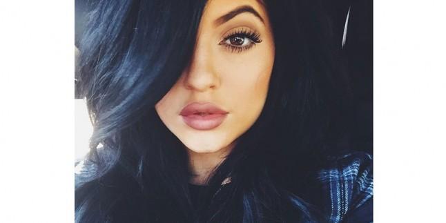 Kylie Jenner Yine Saçını Değiştirdi!