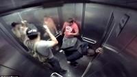 Asansörde İshal Olan Adam Korkuttu