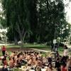 Kadınlar, Erkeklere İnat Üstsüz Piknik Düzenledi