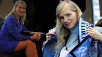 Marsilya Başkanı, 53 Yaşında İkiz Bebek Dünyaya Getirdİ