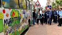 Antalya'da Pazarcılar Hamile Öğretmeni Tartakladı