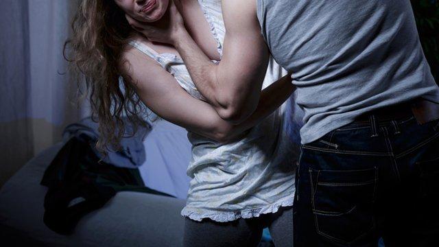 Komşunun genç karısına acımadan tecavüz eden üniversiteli