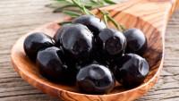 Zeytinin Çekirdeğini Çıkarmanın En Pratik Yolu