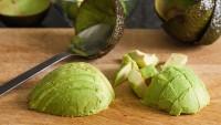 Avokadolu Elma Salatası Nasıl Yapılır?