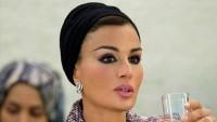 Katar Emiri'nin eşinin güzelliği dillere destan