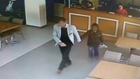9 Yaşındaki Çocuğa Tacizi Garsonlar Farkedince…
