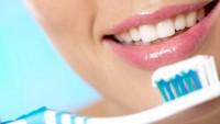 Dişleri günde kaç kere fırçalamalı