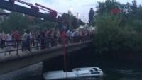 Osmaniye'de öğrencileri taşıyan otobüs kanala devrildi